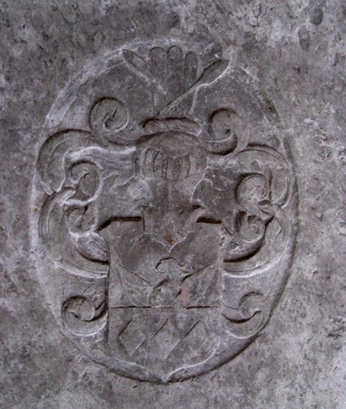 Paslichs våben på gravstenen i Sct. Peders Kirke Næstved